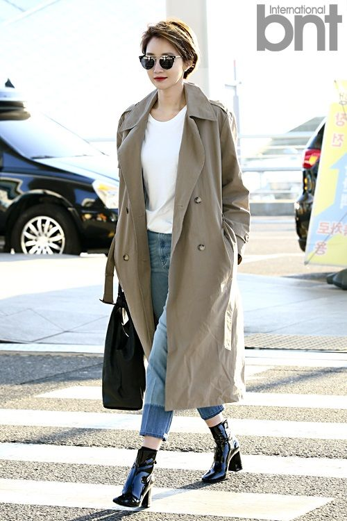BNTNews- [bnt photo] Go Joon Hee Crosses the Road