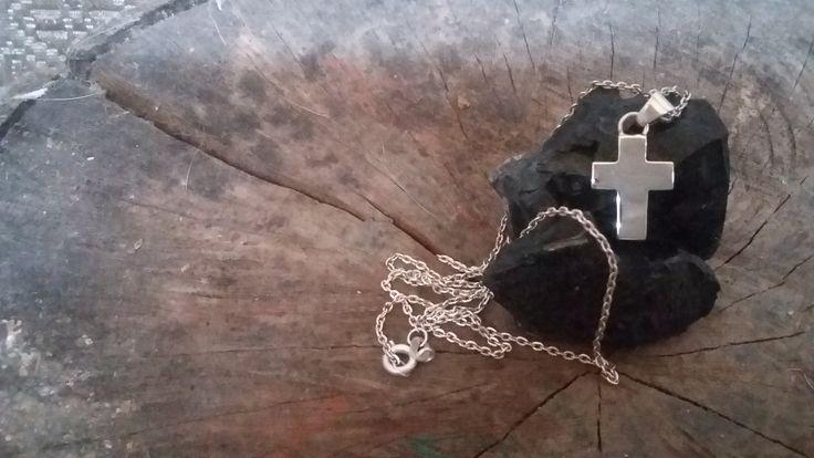 Cruz de plata | Joyas hechas a mano/ Hand made jewelry | www.facebook.com/DeDiosas