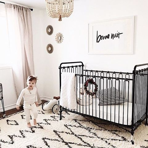 Totally feeling the neutral vibes in this cozy nursery