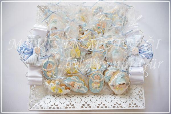 Butik tepsisinde Kaan Bebek için hazırladığım butik kurabiyeler...