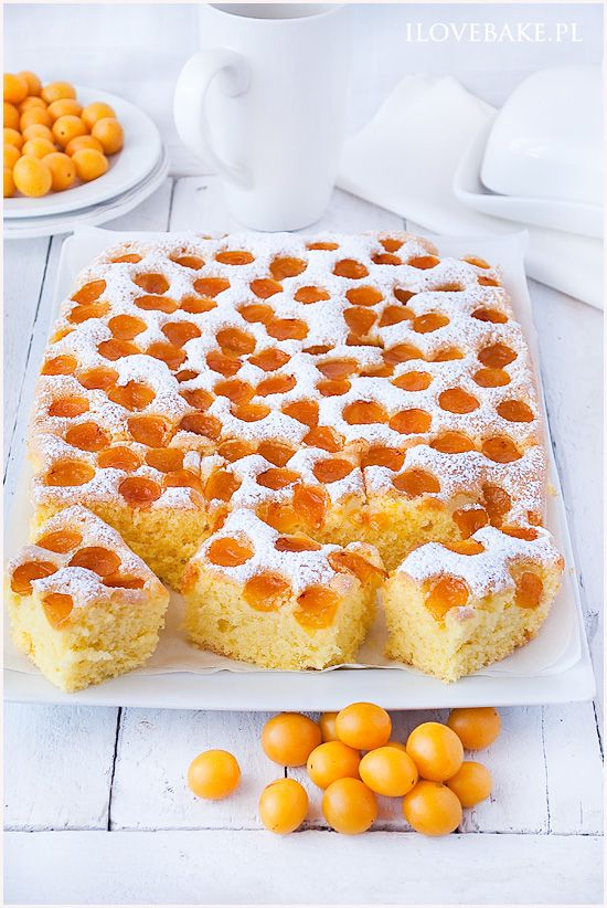 Simple cake with fruits (plums) / PLACEK Z OWOCAMI (MIRABELKAMI) ilovebake.pl #cakes #recipes #simple #plums