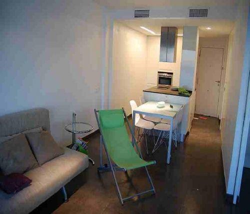 http://es.1000apartamentos.com/Valencia/Cullera/Apartamentos/Apartamento-1-linea-playa-de-lujo-/105586