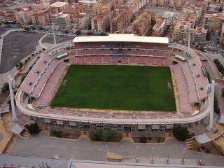 Granada C.F. 1931: Estadio de los Cármenes. Es tanto el significado y la tradición del nombre que a su estadio de futbol lo han llamado 'de los Cármenes'.