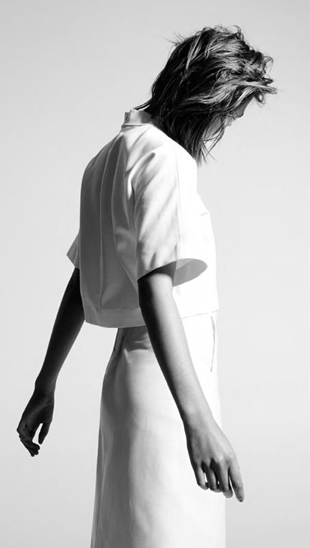 Cropped shirt & pencil skirt - simplicity, minimal fashion | Fashion + Photography | Design: Pho London |