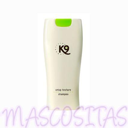 K9 Aloe Vera Crisp Texture Champú es apto para cualquier tipo de manto y raza, para cachorros y adultos, para todos los animales domésticos, para el uso a diario, el profesional de peluquería y la competición.