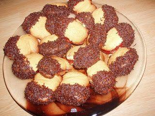 Τα λιλά της Λίλας: Μπισκοτάκια γεμιστά με μαρμελάδα (by Asteri)