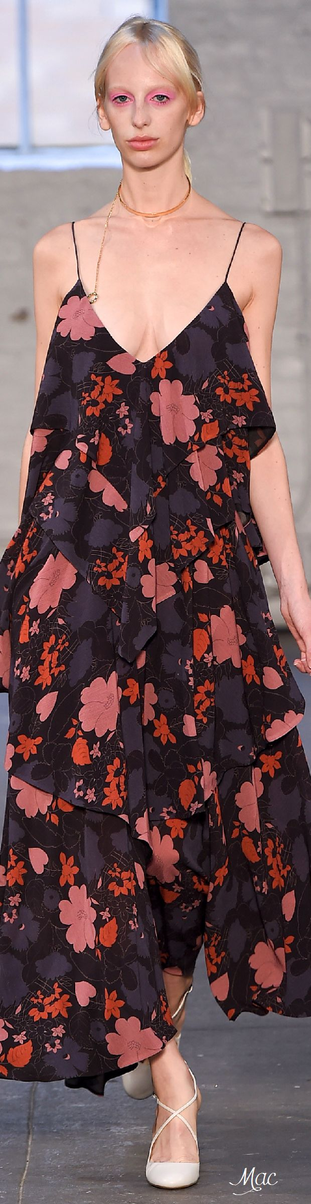 7 Best Ideas Images On Pinterest Fashion Details Show And Minimal Evia Pleated Dress Navy Check L Spring 2016 Ready To Wear Jill Stuart