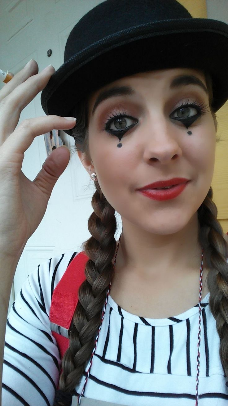 My measly mime attempt for Halloween - Imgur