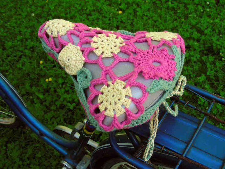 Bicycle Seat Cover crocheted. FP 6/15.