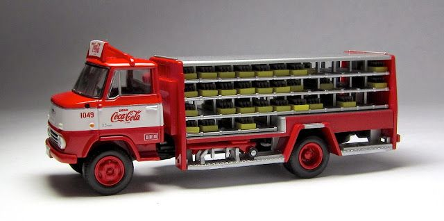 The Lamley Group Tomica Limited Vintage LV-92a Nissan 3.5t Delivery Truck