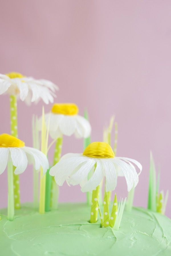 Crepe Paper + Honeycomb Daisy Cake Topper DIY   Oh Happy Day!