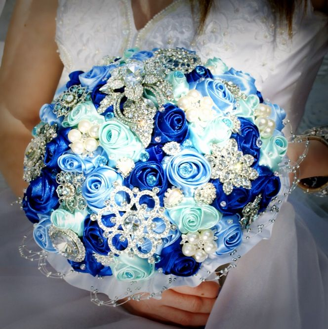 Bridal Bouquets With Vintage Brooches : Best images about wedding day bridal brooch bouquets