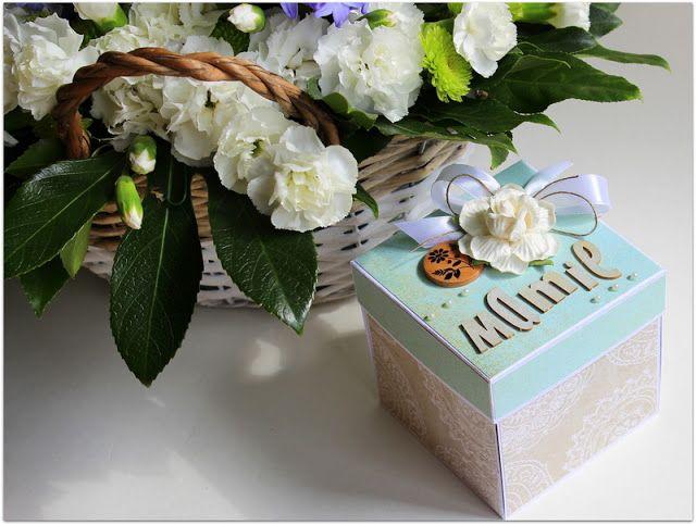 Exploding Box for Mom - Memories Trend
