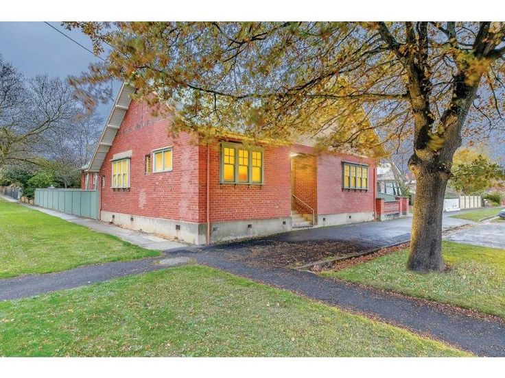 Old Hall - 820 Armstrong Street North, Ballarat, Vic 3350 - Sold - $380,000