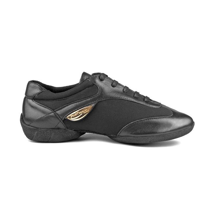 Denne superfede dansesneakers PD03 Fashion er fra PortDance og er udført i sort læder og lycra. Skoen har høj fleksibilitet, lækkert fit og komforten er helt i top! Forhandles hos Nordic Dance Shoes: http://www.nordicdanceshoes.dk/portdance-pd03-fashion-dansesneaker#utm_source=pin