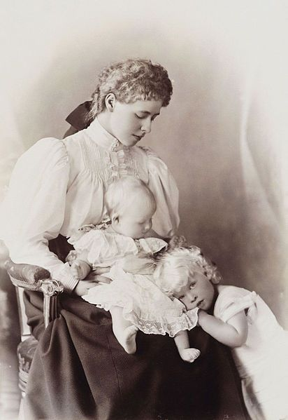 1895 Marie of Romania with her children: Carol II and Elisabeth of Romania
