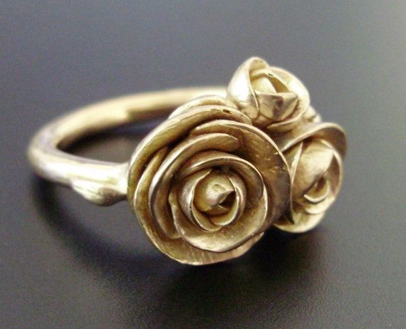 gold roses - would love this in silver too