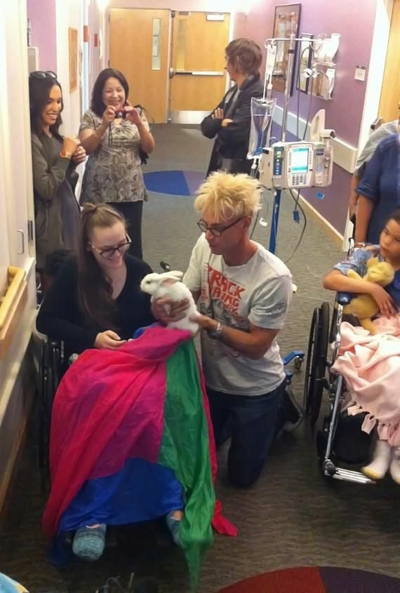 MURRAY visits St. Rose Hospital Siena Kids with Cancer