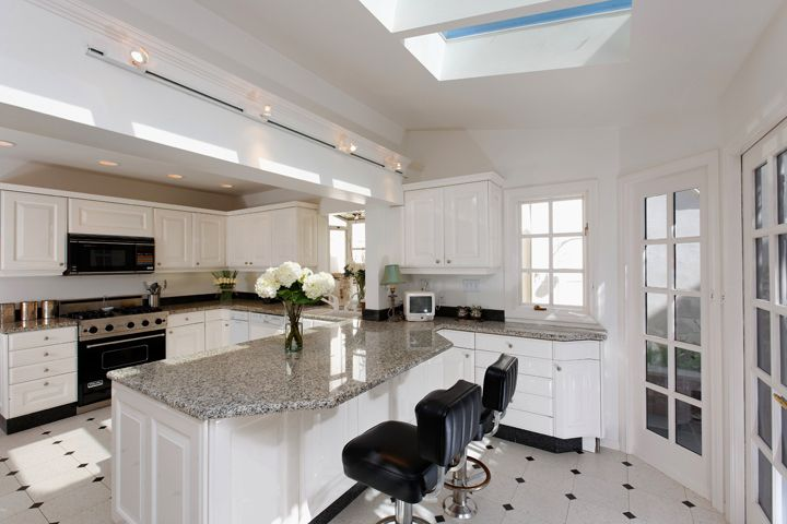 Majestic White Granite House Paint Counters And