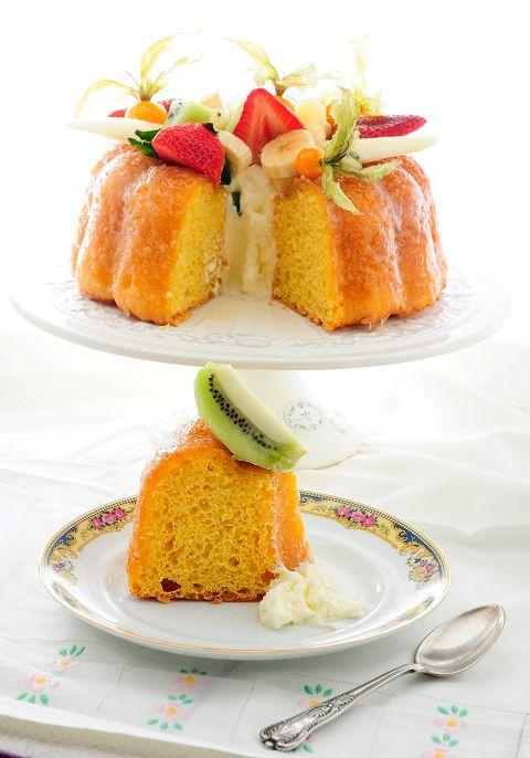 Savarín con frutas , Si todavía no os habéis atrevido a preparar un savarín seguro que hoy os animáis... Puede que el savarín no sea tan conocido como otros dulces, p...