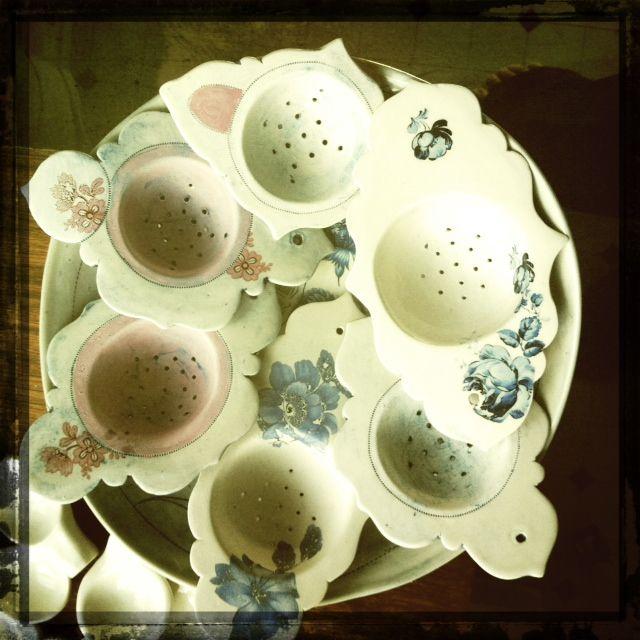 Tea Strainers - Linda Fahey - via we swim with the fishes: Teas Infused, Clay Culture, Teas Strainer, Teas Time, Teas Pots, Caddie Utensils, Porcelain Teas, Ceramics Ware, Ceramics Inspiration