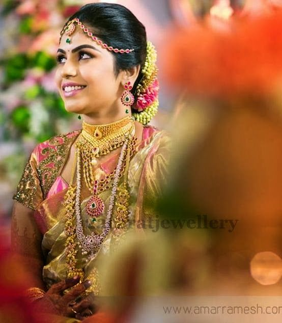 Bride in Gold and Diamond Sets