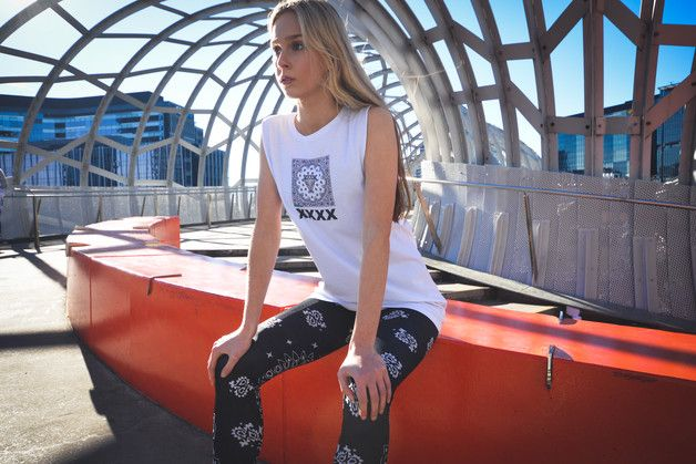 Ethical Trousers & Leggings – Black and White Paisley Special Technology legging – a unique product by ladsoffortune1 on DaWanda