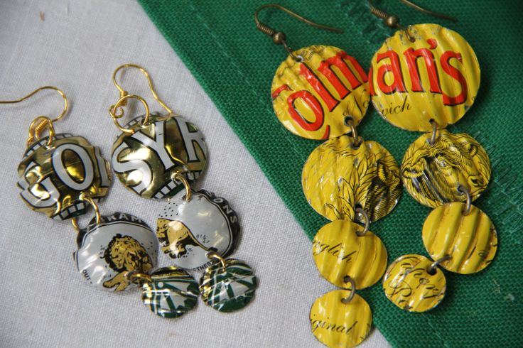Recycled tins = fab jewellery.  Found at Hay Does Vintage fayre Hay-on-wye