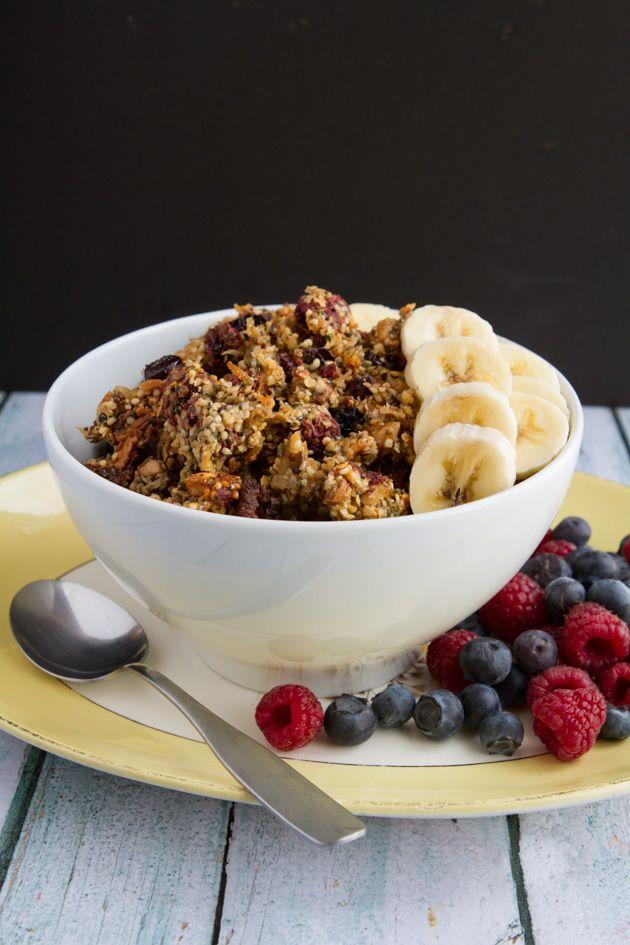 Grain-free Bumble Berry Granola #breakfast #delicious #lekker #ontbijt #lunch #recipe #recept #eten #gezond #floraa #happy #healthy www.floraa.nl