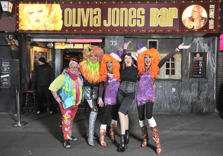 Olivia Jones, Germanys most famous Drag Queen and official Miss Drag Queen of the world from 1997 presents an incomparable St. Pauli experience with her flashy freaky family and her worldwide unique bars/clubs: The Olivia Jones Bar (party and folk music), Olivias … Weiterlesen →