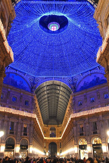 Christmas in Milan, ItalyBuckets Lists, Milan, Favorite Places, Christmaslights, Beautiful Places, Christmas Lights, Milan Italy, Travel, Italy