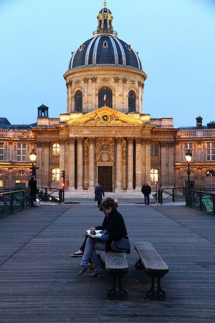 Pont des Arts, Quai du Louvre, Place de l'Institut, Paris VI