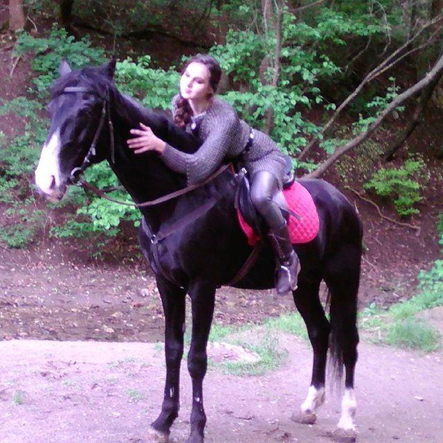Instagram media by rostovhorse - Фотосессия с лошадьми в Дом белой лошади)  241-25-28. #фитнес #активныиобразжизни #ростовнадону #ростовчанки #спорт #лошадиростов #лошадь #horse #отдых #фотослошадьми #Фото #лошадь #прокат #конюшня #конныепрогулкиростов #фотосессия #модели  #дети #ботаническиисадюфу #кони #активныигражданин #свадьбавростове #женихневеста #свадьба  #невеста #предложение_ру