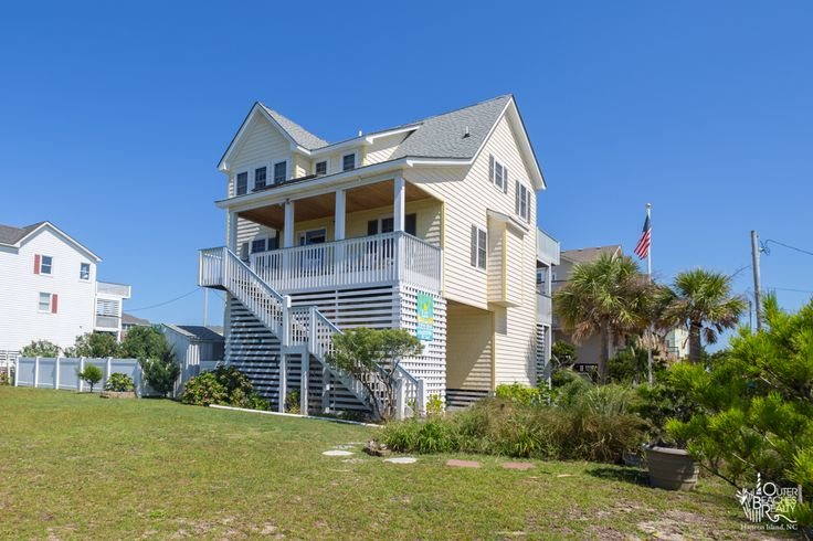 Las Palmas {172} is a 5 bedroom, 3 bathroom Oceanside vacation rental in Rodanthe, NC. See photos, amenities, rates, availability and more details to book today! | Outer Banks Vacation Rentals on Hatteras Island - Outer Beaches Realty