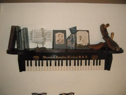 This comes from one of the most inspiring websites I know of for re-purposing stuff. I love this creative use for old organ parts. Great for those decorating with a musical influence!