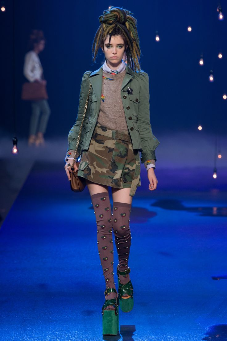 Marc Jacobs Spring 2017 Ready-to-Wear Fashion Show - Grace Hartzel
