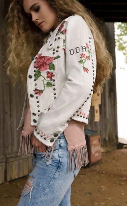 Double D Ranch Spring 2017 Vintage Vines Jacket https://www.cowgirlkim.com/collections/whats-new/products/double-d-ranch-spring-2017-vintage-vines-jacket?variant=30782821709
