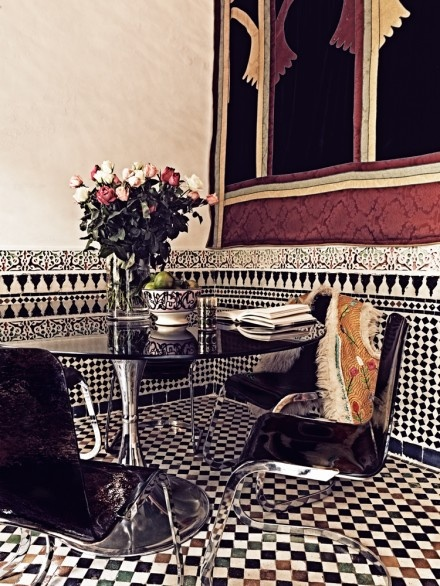 Maroccan: Dining Rooms, Breakfast Rooms, Tile Design, Pattern, Breakfast Nooks, Black And White, Villas, Window Treatments, Kitchens Back Splash