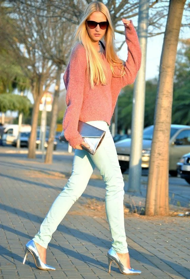 Pink loose sweater and white pant