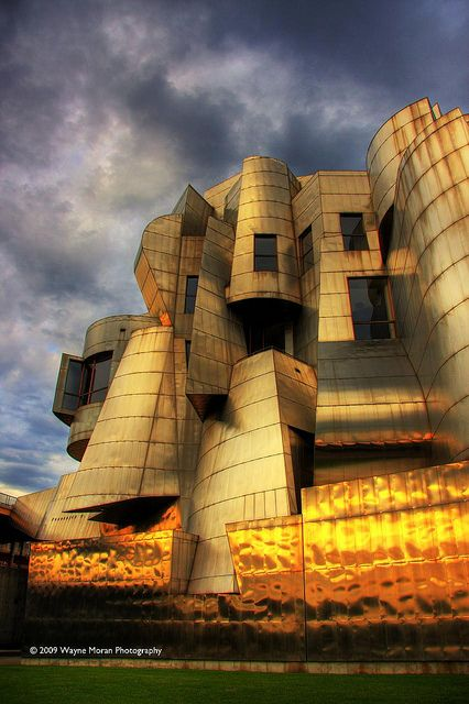 Frederick R. Weisman Art Museum University of Minnesota   by WaynePhotoGuy, via Flickr