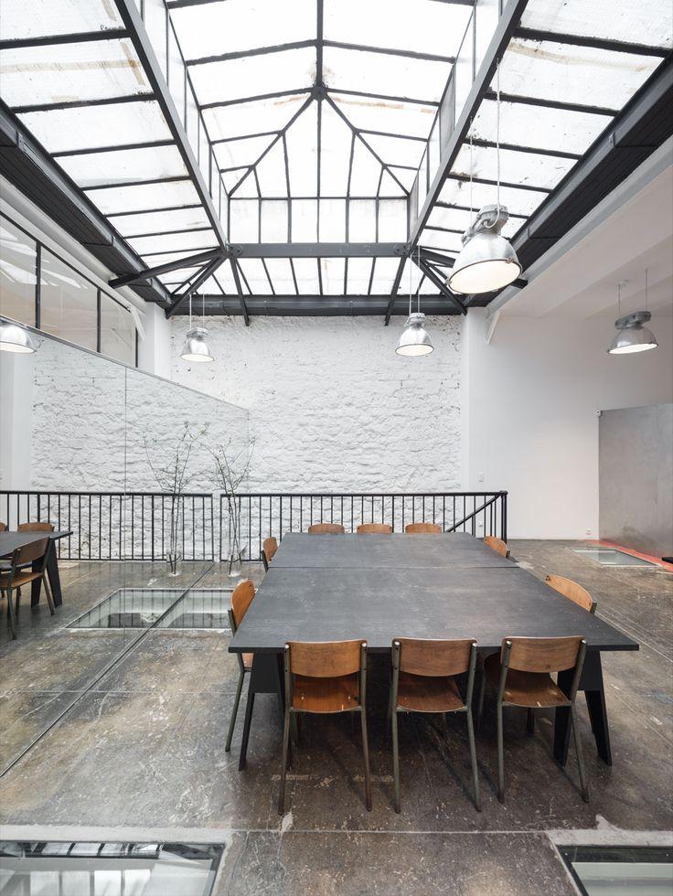 Interior Designer Furniture Installation Waiver ~ Idées sur le thème showroom pinterest meubles
