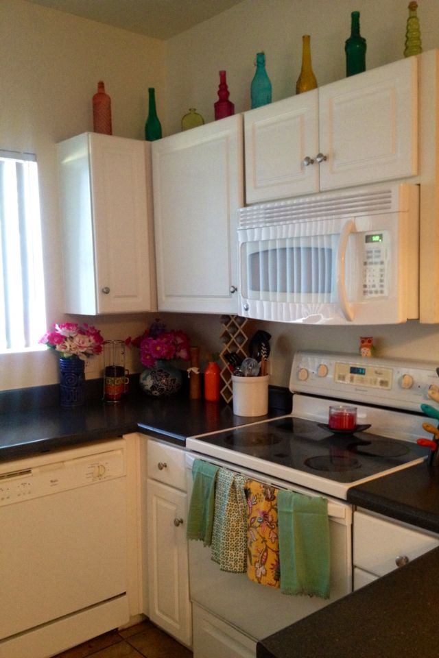 cute little apartment kitchen
