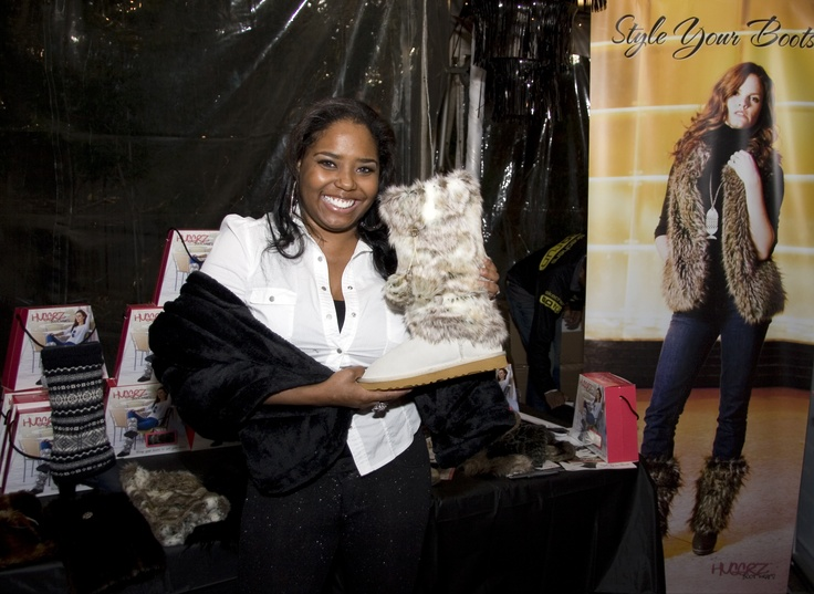 Shar Jackson best known for her roles in Moesha and Everybody Hates Chris picked up a pair of Hugrz. #boots #fall #fashion #hugrz