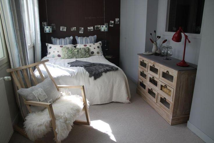Déco chambre : Blanc Chocolat Classique // http://www.deco.fr/photo-deco/decoration-maison-atelier-du-monde-paris-084-3701170.html #chambre