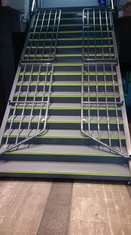 Las 25 mejores ideas sobre escaleras plegables en - Escaleras metalicas plegables ...