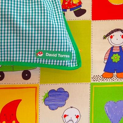 Etiquetas personalizadas para marcar ropa Stikets: http://www.stikets.com/etiquetas/etiquetas-ropa/ropa-grandes.html