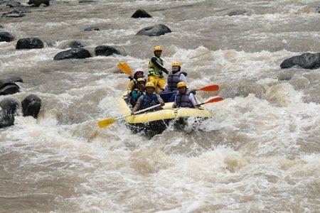 Arung JeramArung Jeram di Sungai Pek