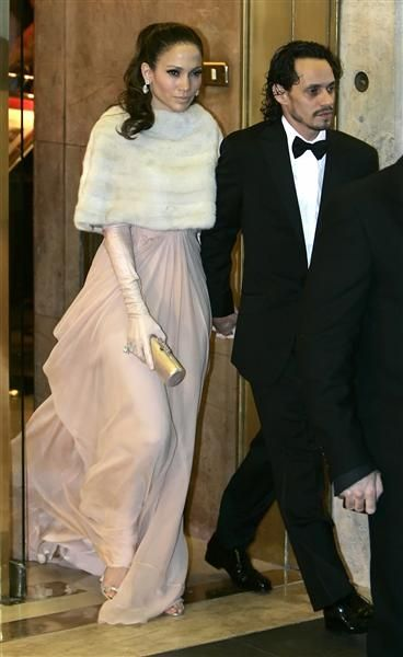 Jennifer Lopez and Marc Anthony leave a luxury hotel en route to Tom Cruise and Katie Holmes' wedding in downtown Rome on Nov. 18, 2006.