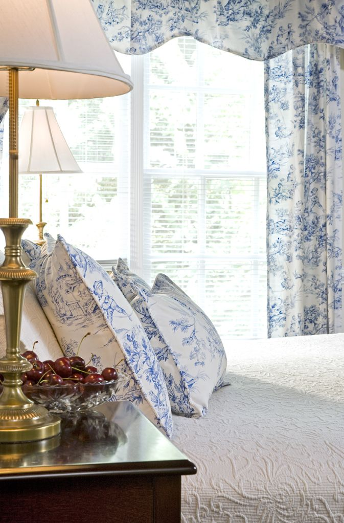 Best 25  Toile ideas on Pinterest   Toile de jouy  French fabric and  Contact paper craft store. Best 25  Toile ideas on Pinterest   Toile de jouy  French fabric