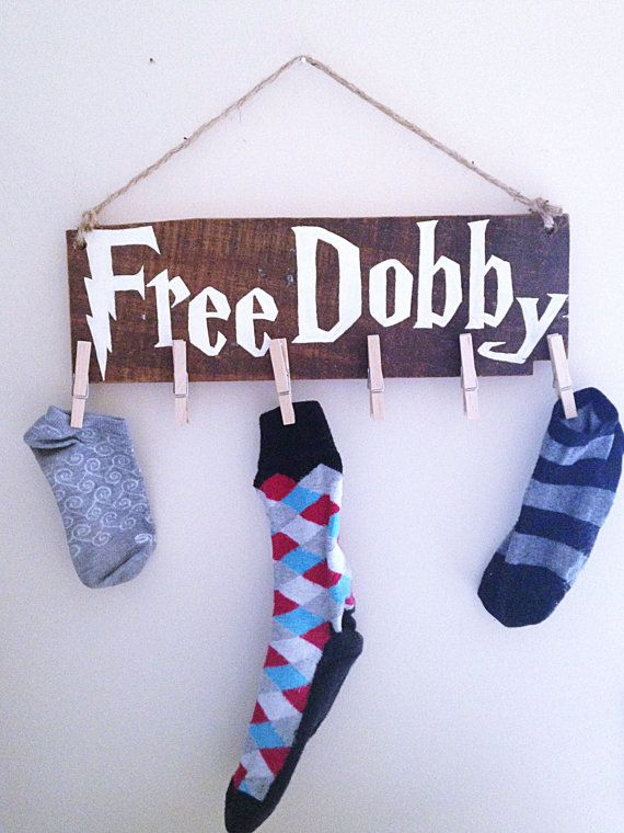 Free Dobby Harry Potter Laundry Room Sock Clothespin Wall Hanging  Any Harry Potter fans out there? Here is an adorable Free Dobby wall hanging